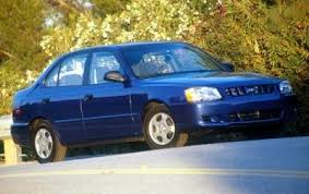 2002 hyundai accent used 2002 hyundai accent gl features specs edmunds