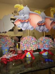 Ideas For Centerpieces For Birthday Party by Best 25 Circus Theme Centerpieces Ideas On Pinterest Circus