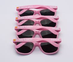 wedding favor sunglasses cheap personalized sunglasses wedding favors louisiana