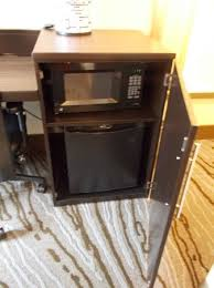room has microwave and mini fridge picture of holiday inn rock