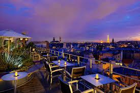 4 bares com vista panorâmica da torre eiffel em paris hotel