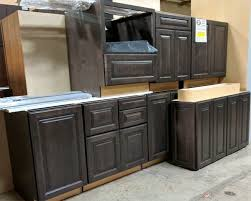 Parr Lumber Cabinet Outlet Maple Trestle Cabinets Set 8 Pieces Parr Cabinet Design Center