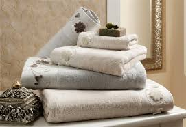 bathroom towel folding ideas 100 towel folding ideas for bathrooms how to organize your