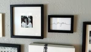 How To Design A Gallery Wall by How To Create A Gallery Wall Home Makeover Diy