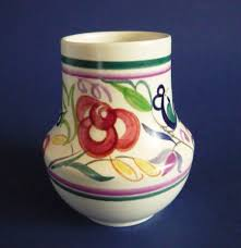 Poole Pottery Vase Patterns Poole Pottery Le Pattern Vase By Truda Carter C1960