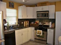 Kitchen Flooring Options by Kitchen Cabinet Kitchen Floor And Granite Countertop