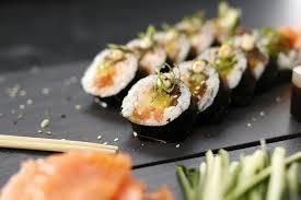 cuisine plus recettes nos recettes originales de makis et de sushis pour un dîner
