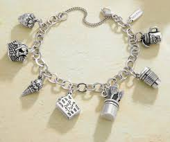 halloween pandora charms we love this fun halloween inspired charm bracelet a james avery