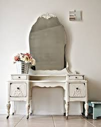 Antique White Makeup Vanity 733 Best Vanity Dressers And Vanity Sets Images On Pinterest