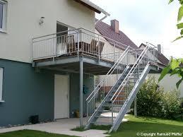 balkon mit treppe pfeffer metalltechnik treppen