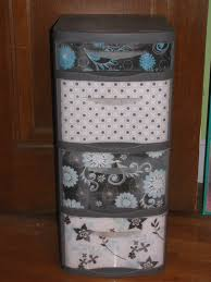 love this great way to dress up those ugly plastic drawers