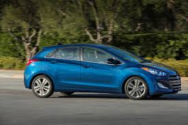2016 hyundai elantra gt facelift debuts in chicago