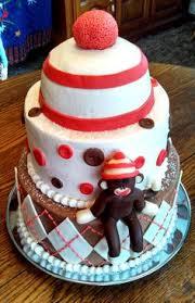 kayla and ryan huff u0027s wedding cake and 200 cupcakes 8 inch and 6