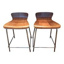 Crate And Barrel Bar Stool Gently Used Crate Barrel Furniture Up To 40 At Chairish