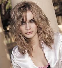 coupe cheveux fins visage ovale coupe cheveux fins ondulés visage rond