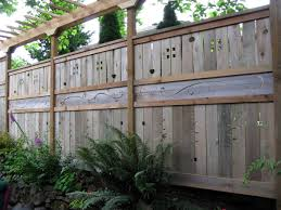 fabulous example of the fence raised by mounting it on a wall