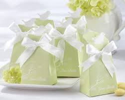 chagne wedding favors to go with the bird theme maybe change the colour