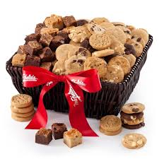 mrs fields gift baskets mrs fields delights by the dozens cookie brownie gourmet gift