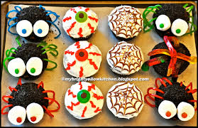 Halloween Cupcakes Cake by My Bright Yellow Kitchen Halloween Cupcakes