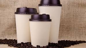perché il coperchio dei bicchieri da caffè è bucato supereva