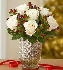 christmas floral arrangements 20 chic christmas flower arrangements shelterness