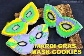 mardi gras cookies haniela s mardi gras mask cookies decorated with royal icing