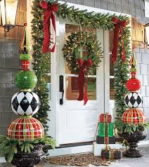 Best Christmas Decorations For Outside by Best 25 Christmas Topiary Ideas On Pinterest Large Outdoor