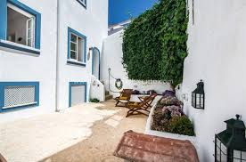 close to beach house for vacation rentals in lagos mer et demeures