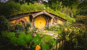 hobbit hole hobbit hole the shire in a hole in the ground there live flickr