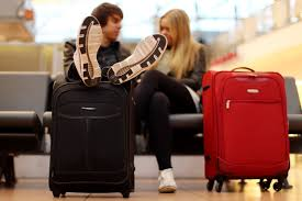 united cracks down on oversized carry ons cnn travel