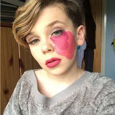 10 year becomes sensation for his awesome make up