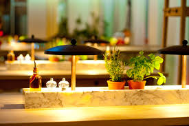 Esszimmer Thai Restaurant Stuttgart Vapiano Pasta Pizza Bar Table With Fresh Condiments Instore