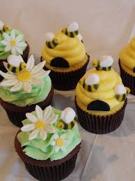 bumble bee cupcakes 22 best baby shower cakes images on baby shower cakes