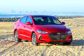 honda civic or hyundai elantra is the 2017 hyundai elantra better than the honda civic carfax
