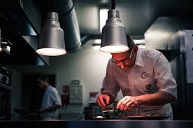 stage en cuisine gastronomique fête de la gastronomie gagnez un stage dans la cuisine de julien