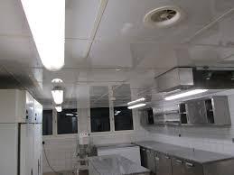 dalles pvc cuisine dalle pvc de plafond suspendu pour cuisine professionnelle