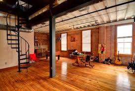 houston loft apartment locating services