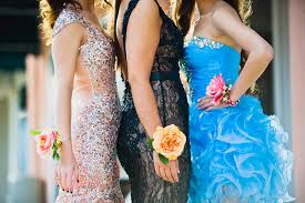 Prom Flowers 7 Simple Tips To Pick Out The Perfect Prom Corsage Camp Makery