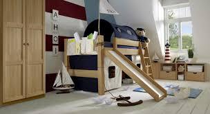 kinderzimmer hochbett ideen coole kinderzimmer mit hochbett mit rutsche inspiration design