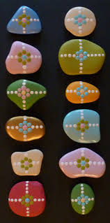 Painted Rocks For Garden by Best 25 Painted Pebbles Ideas On Pinterest Painted Garden Rocks