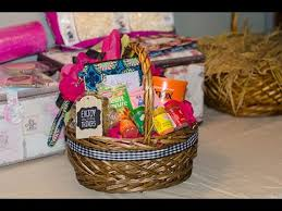 affordable gift baskets easy and affordable gift basket tutorial
