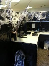 How To Decorate Your Cubicle For Halloween Best 25 Halloween Office Ideas On Pinterest Halloween Office