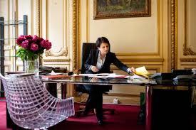 femme de bureau avec yvette roudy et bachelet au ministère des droits