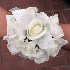 Corsages For Homecoming Flowers Boutonnieres Corsages Prom Specialty Kremp Com