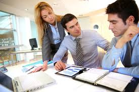 travaux de bureau salaire administratif salaire études rôle compétences regionsjob