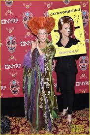 hocus pocus halloween costume bette midler dresses up as her u0027hocus pocus u0027 character for