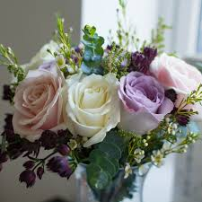 Cheapest Flowers For Centerpieces by 16 Inexpensive Wedding Flowers That Still Look Beautiful For