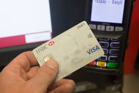us stores are expected to accept chip enabled credit cards today