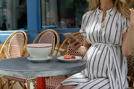 dress your best with this fashion advice best maternity style advice popsugar moms