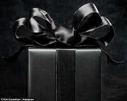 black wrapping paper 2f8a232d00000578 3368320 image a 4 1450657751126 jpg